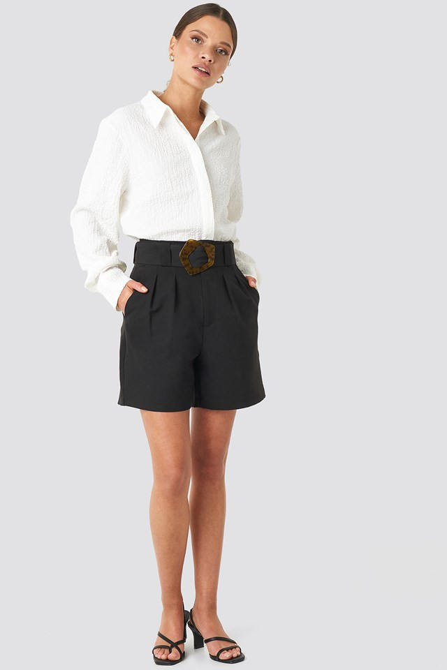 Asymmetric Buckle Belted Shorts Black