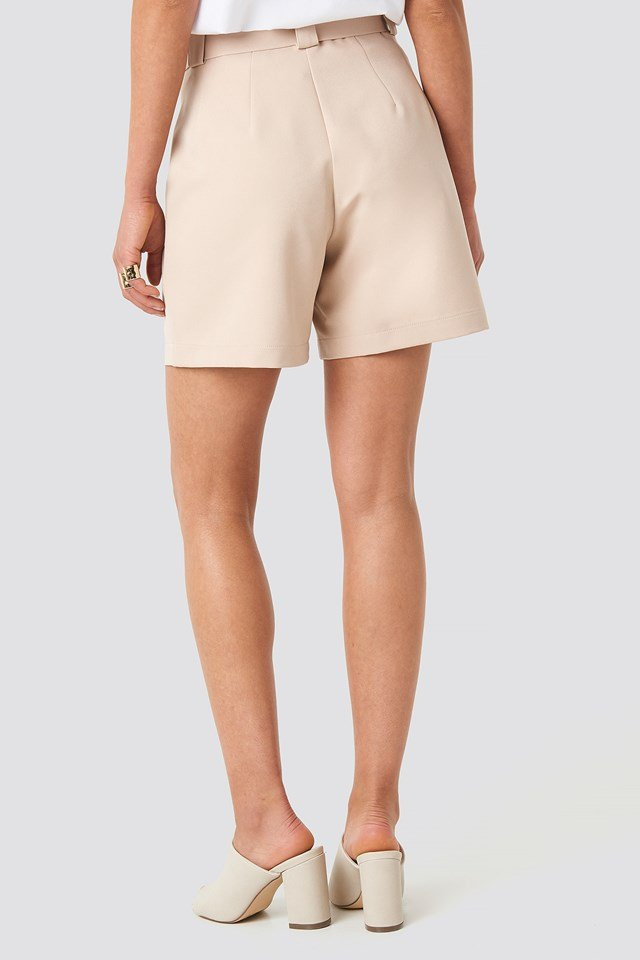 Asymmetric Buckle Belted Shorts NA-KD.COM