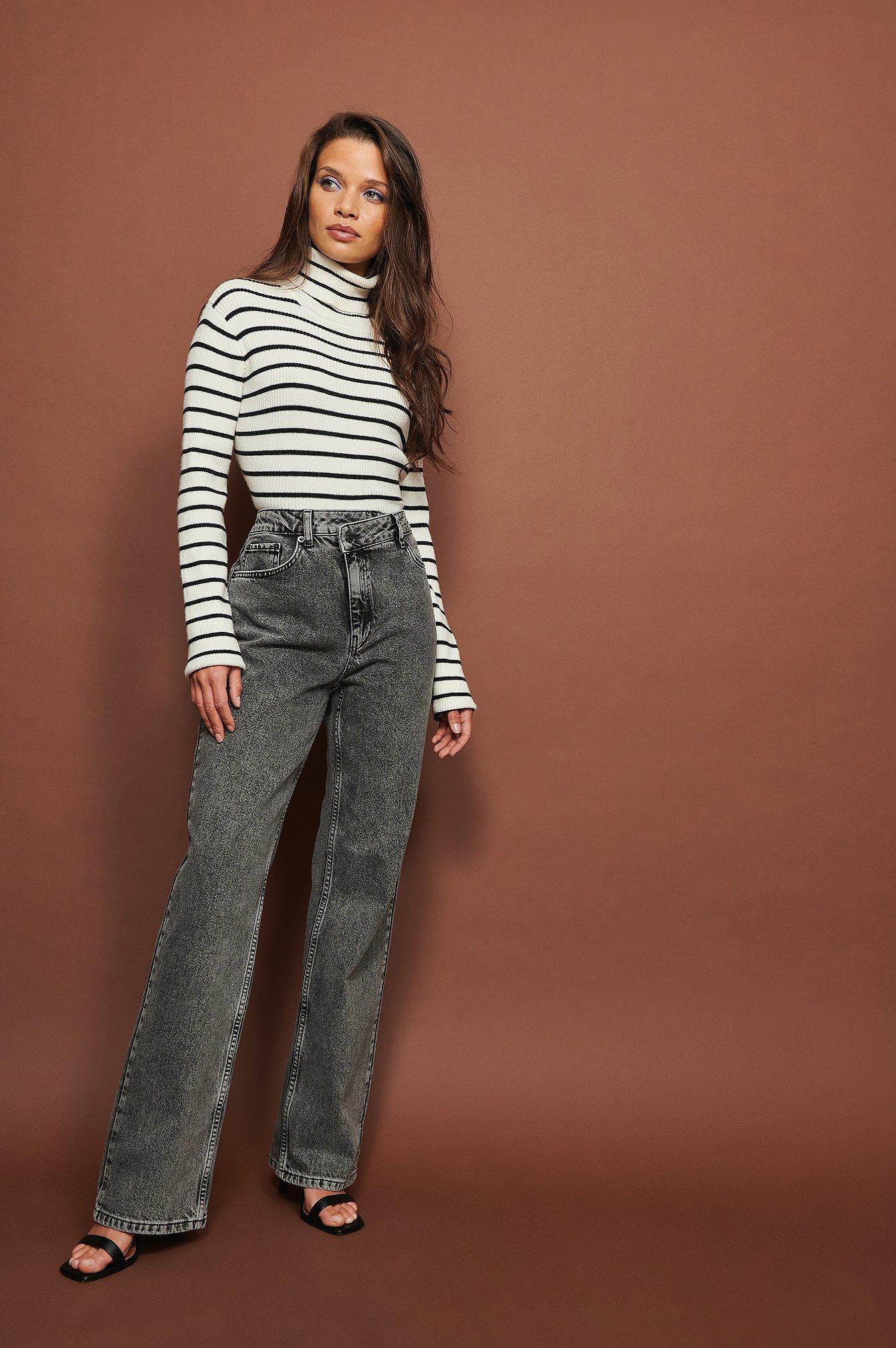NA-KD Trend Økologiske højtaljede jeans med vidde og asymmetrisk lukning - Grey
