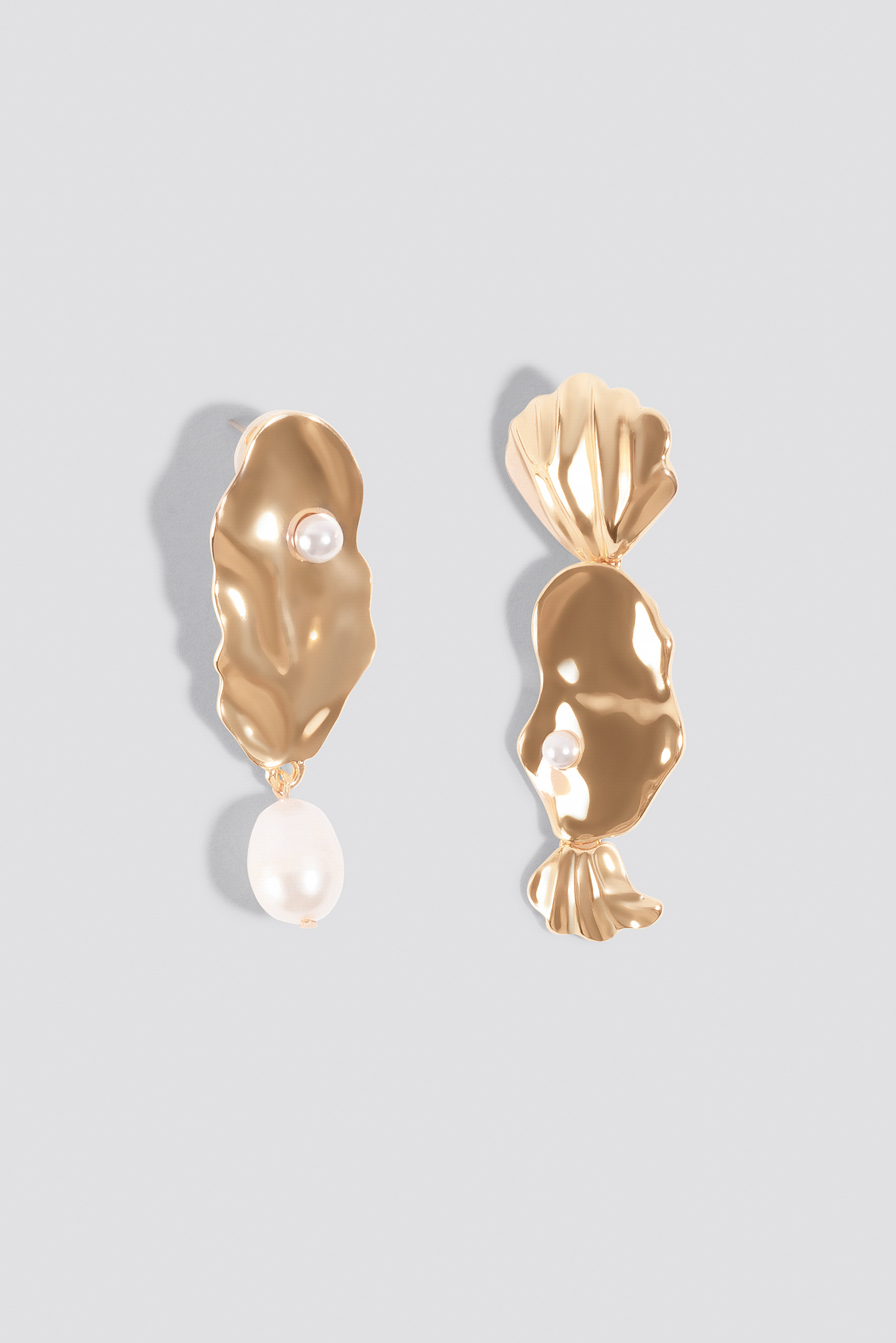 Asymmetric Pearl Earrings NA-KD.COM