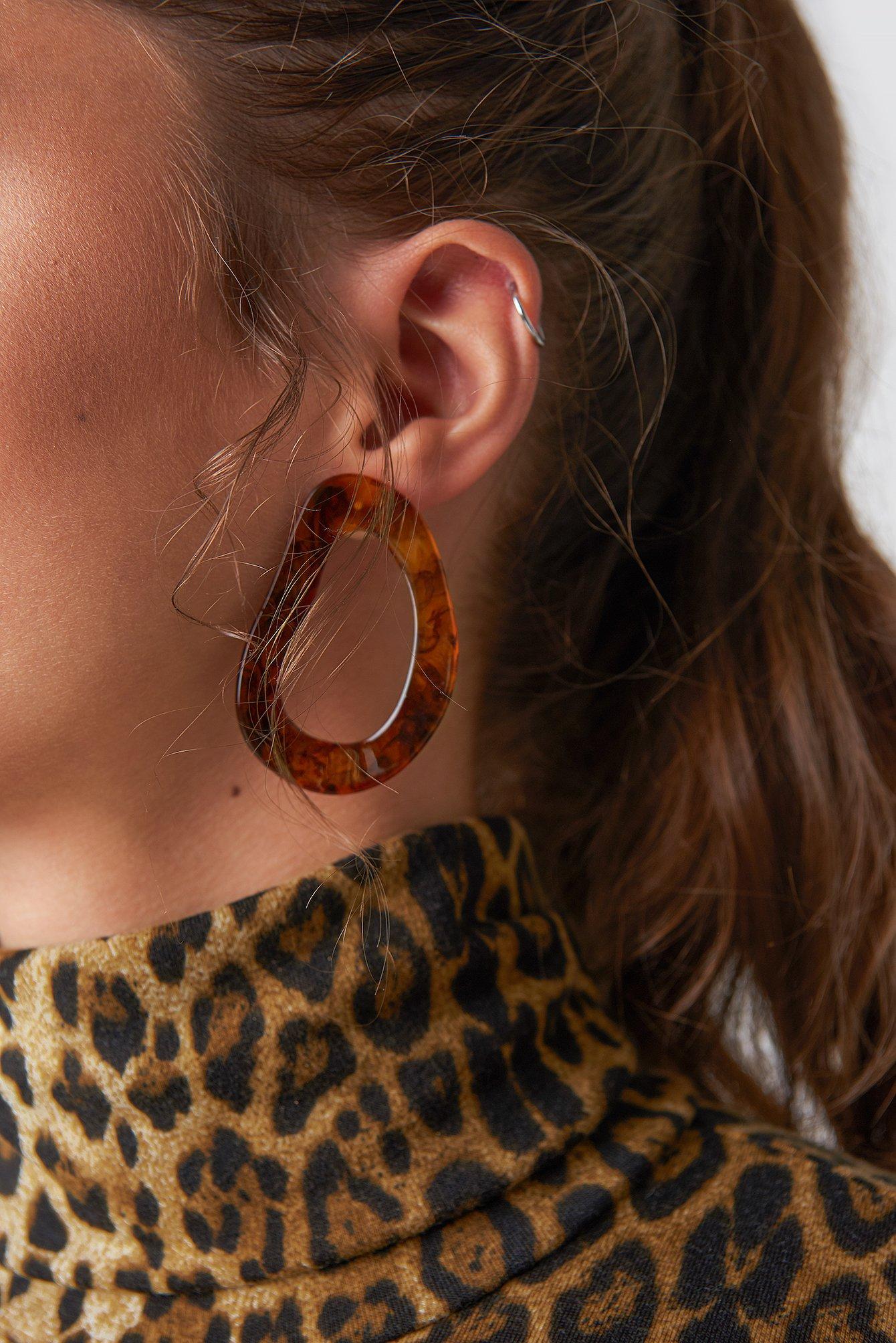 na-kd accessories -  Asymmetric Resin Earrings - Brown