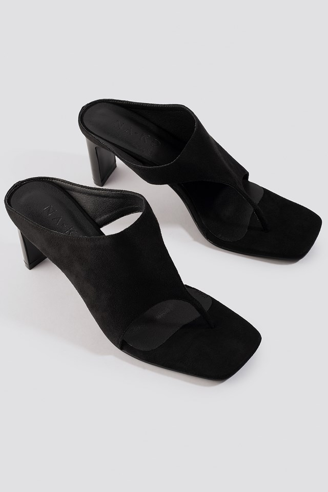 Asymmetric Toe Strap Sandals Black