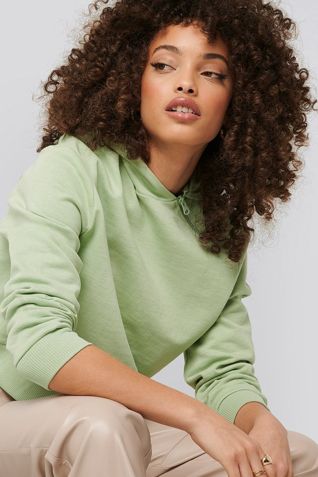 Asymetryczna Krótka Bluza Z Kapturem I Zamkiem Light Green