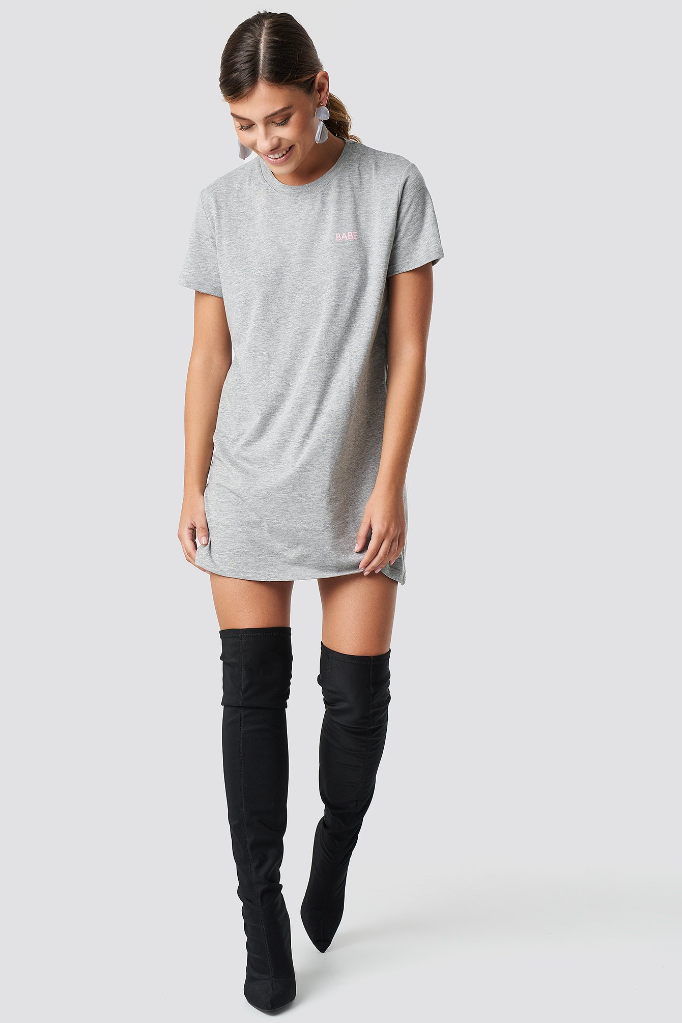 Babe T-shirt Dress NA-KD.COM