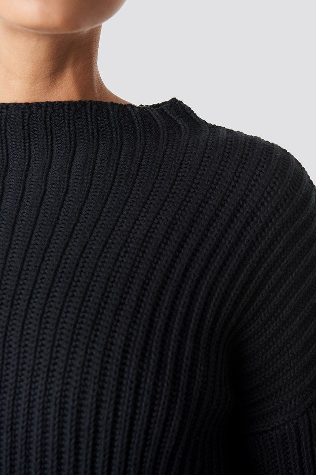 Balloon Sleeve Knitted Sweater Black