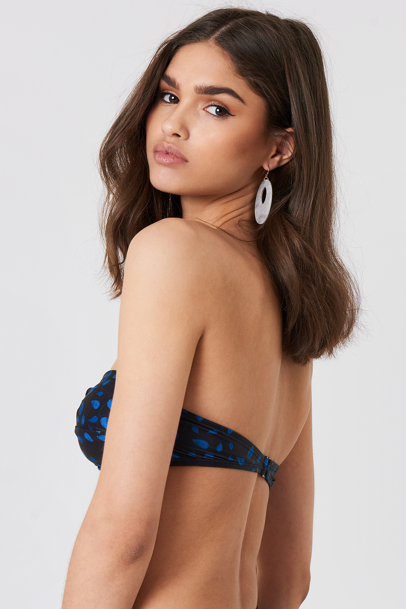 Góra bikini bandeau z detalem NA-KD.COM