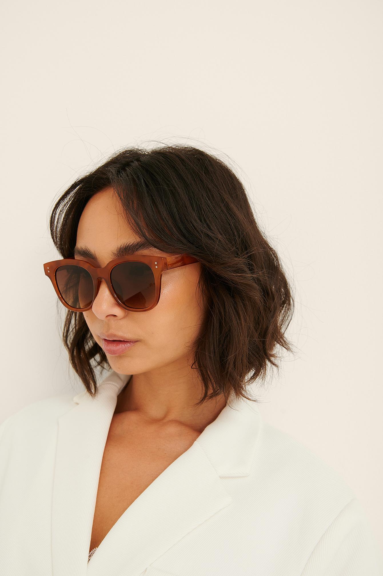 na-kd accessories -  Basic Große Eckige Sonnenbrille - Brown