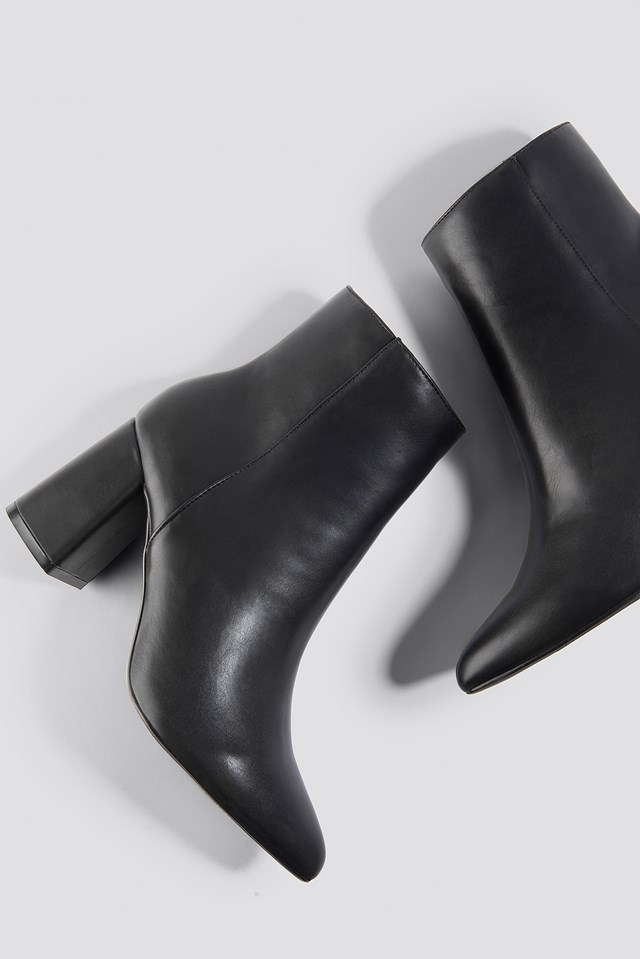 Basic Block Heel Booties Black