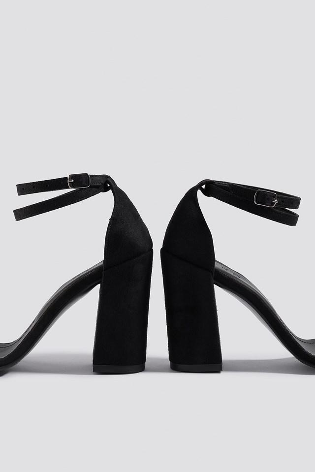 Basic Block Heels Black