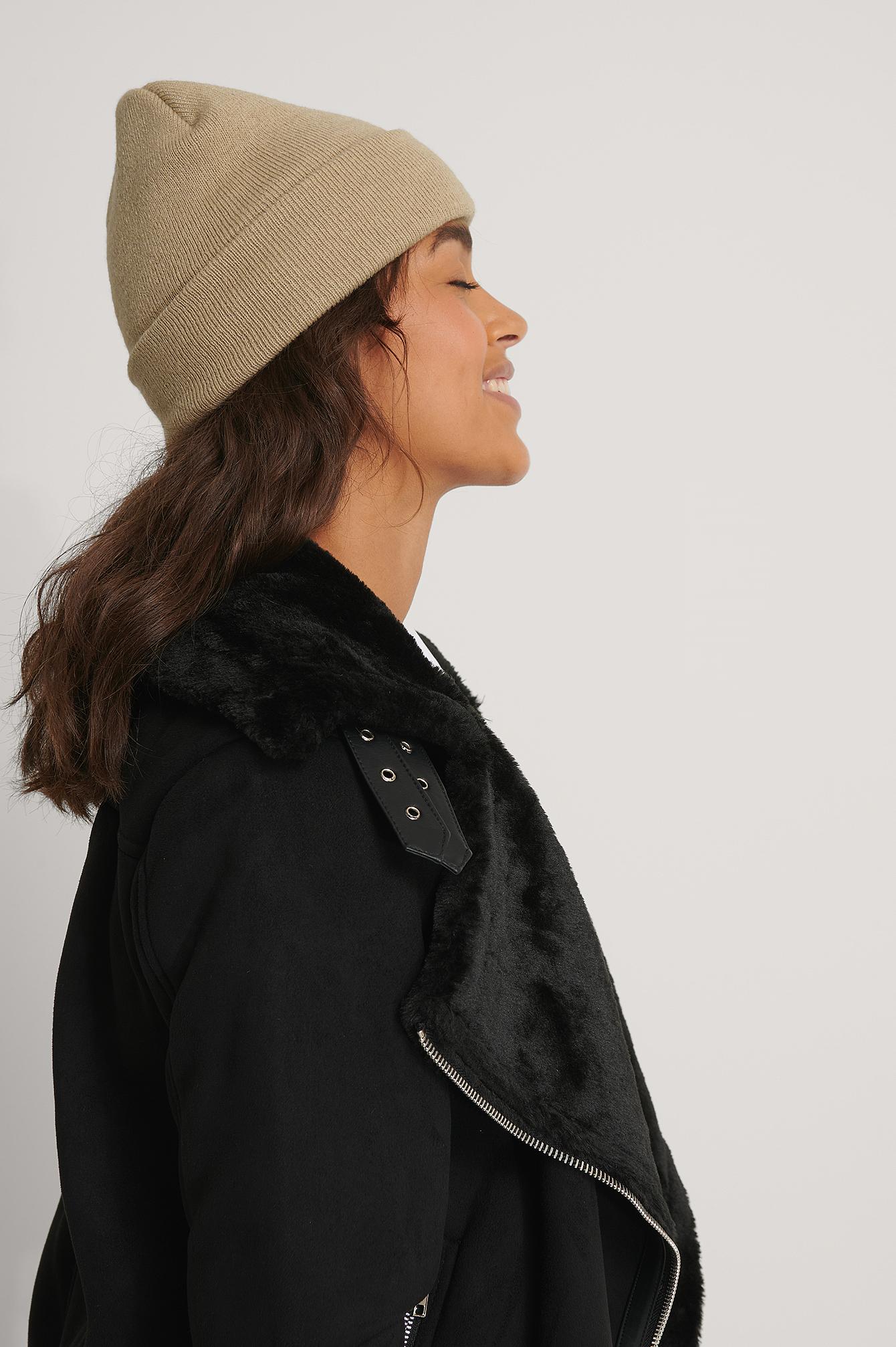 Beige beanie Winter beanie Hand-knitted beanie Wool beanie Warm beanie