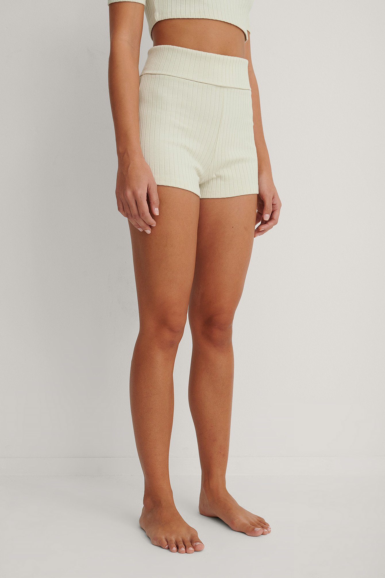 Dusty Light Beige Shorts Básicos Acanalados De Talle Alto