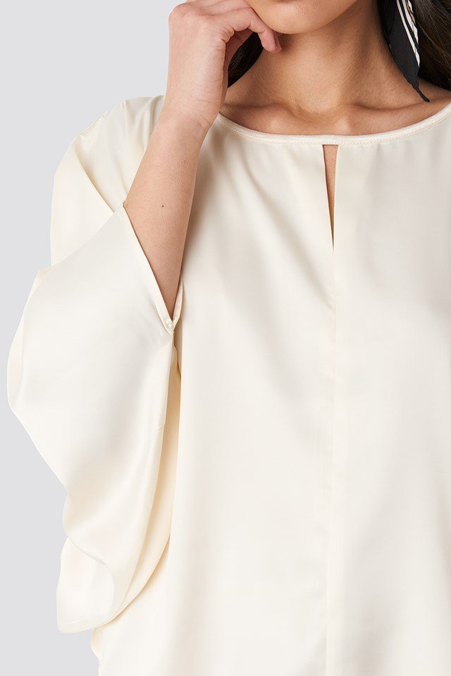 Batwing Cropped Blouse Beige