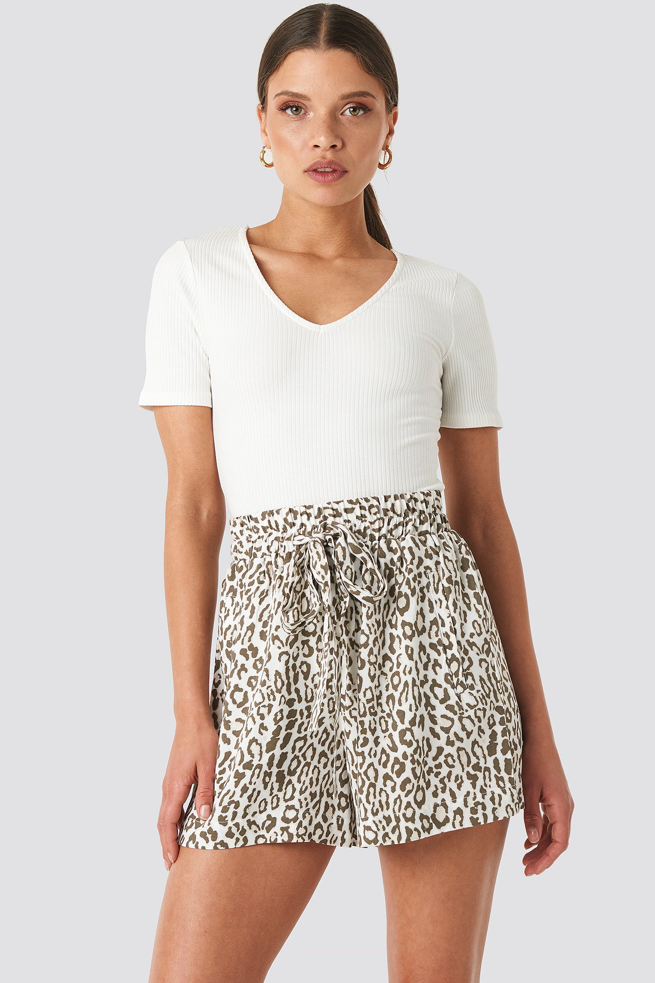 NA-KD Belted Flowing Shorts - Multicolor