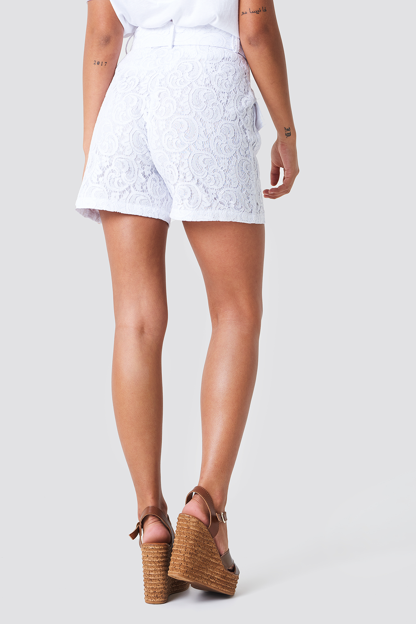 Belted Lace Shorts NA-KD.COM