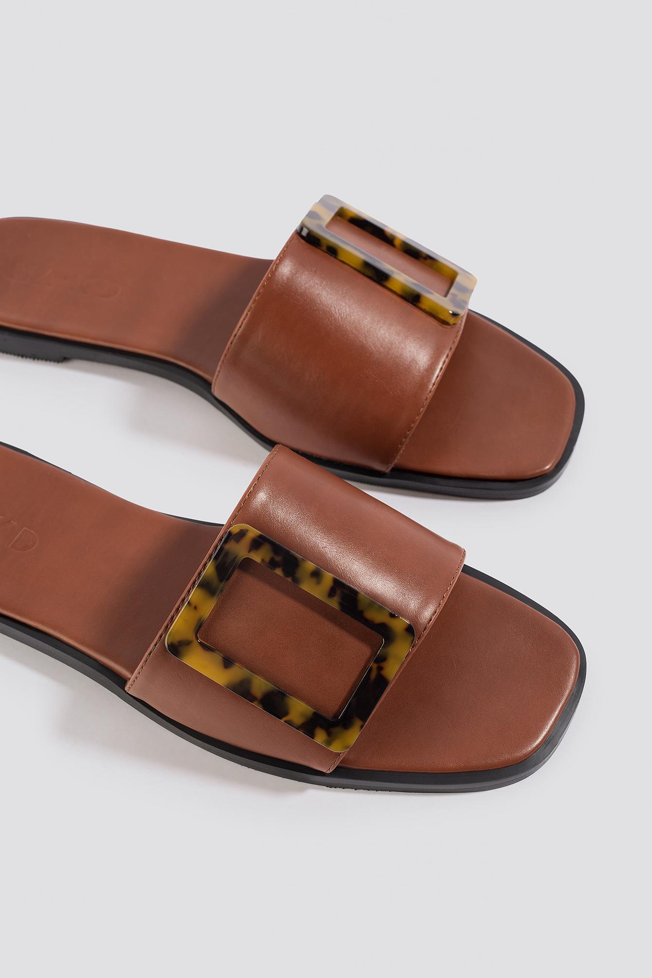 na-kd shoes -  Big Buckle Flats - Brown