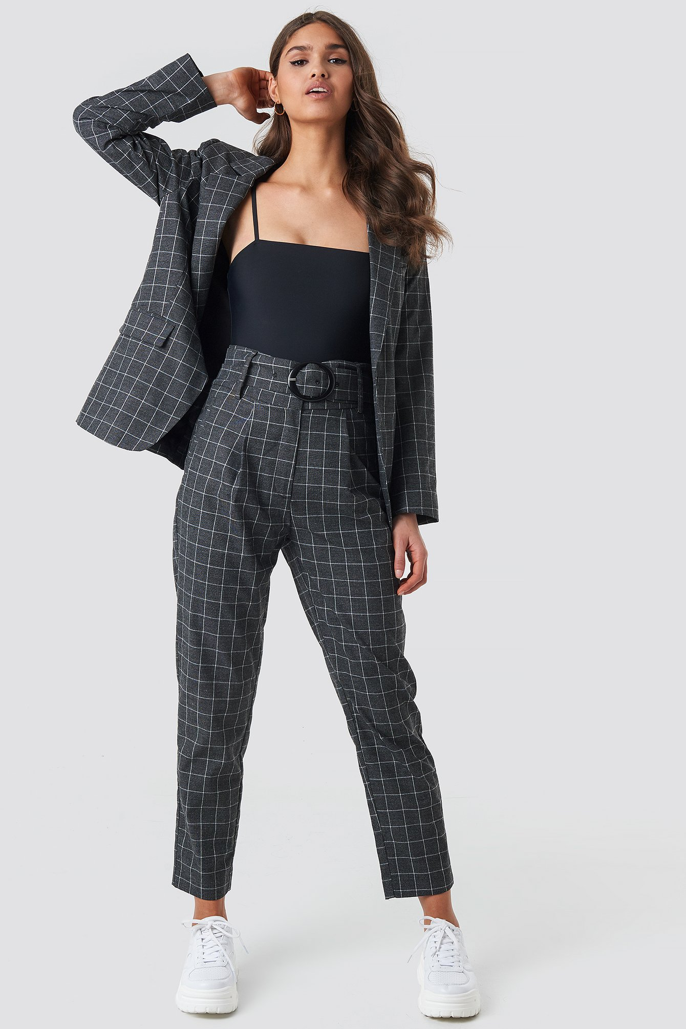 na-kd classic -  Big Check Asymmetric Belted Pants - Grey