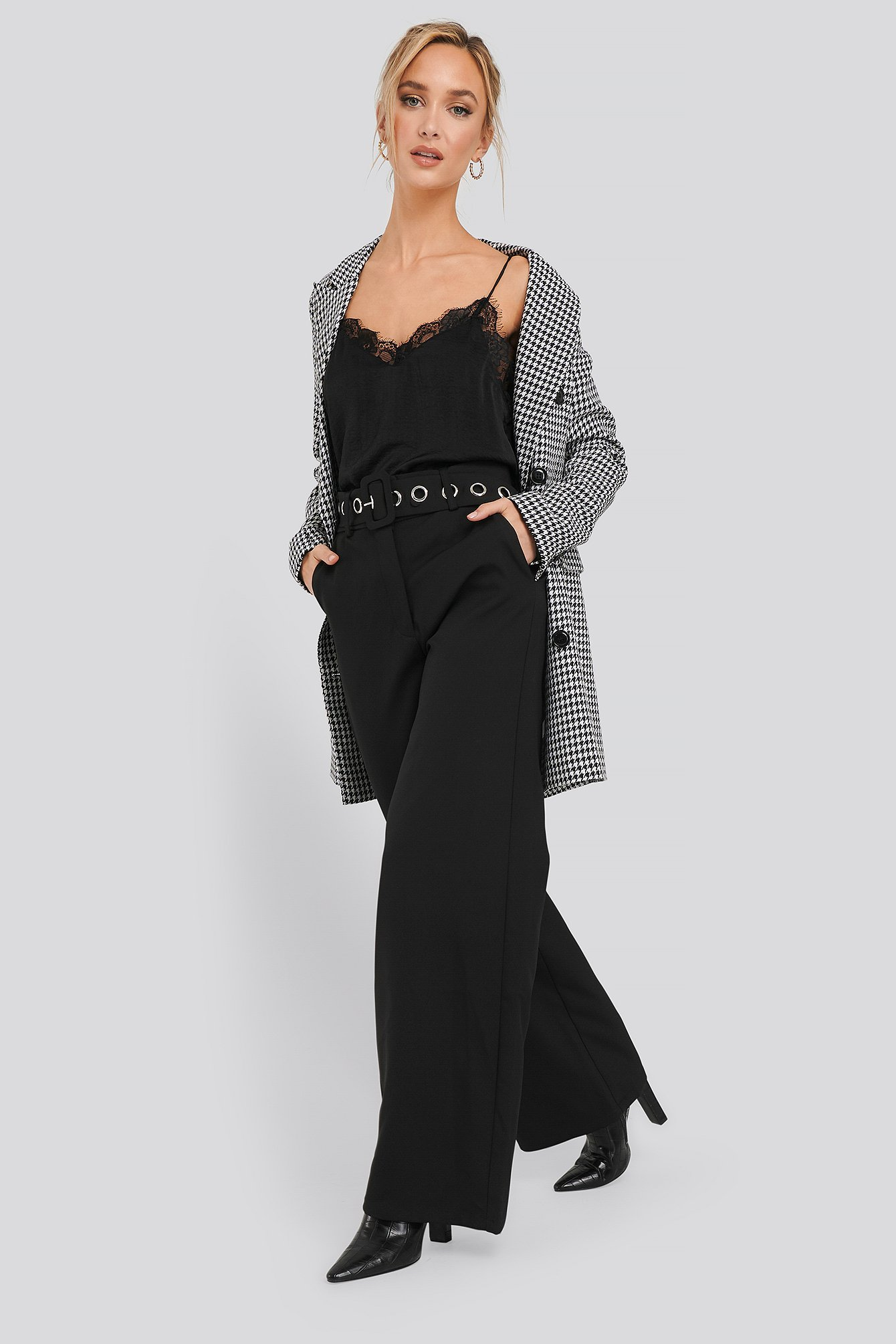 na-kd classic -  Big Eyelet Wide Suit Pants - Black