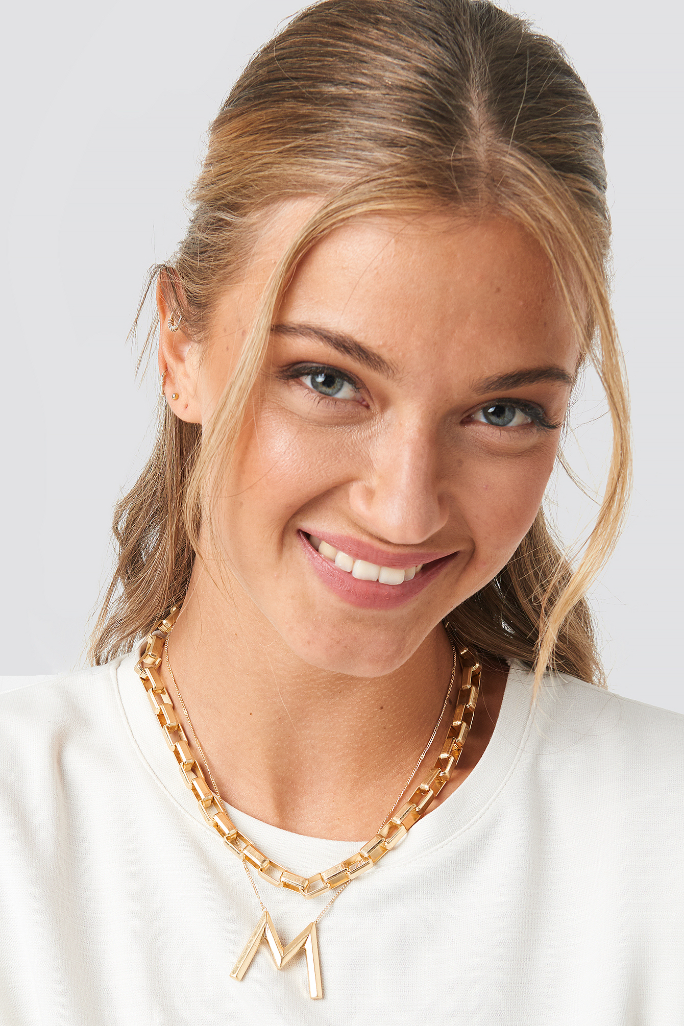 na-kd accessories -  Big Letter Matte Chain Necklace - Gold