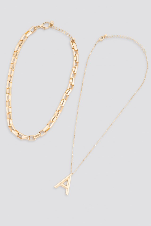Big Letter Matte Chain Necklace Gold