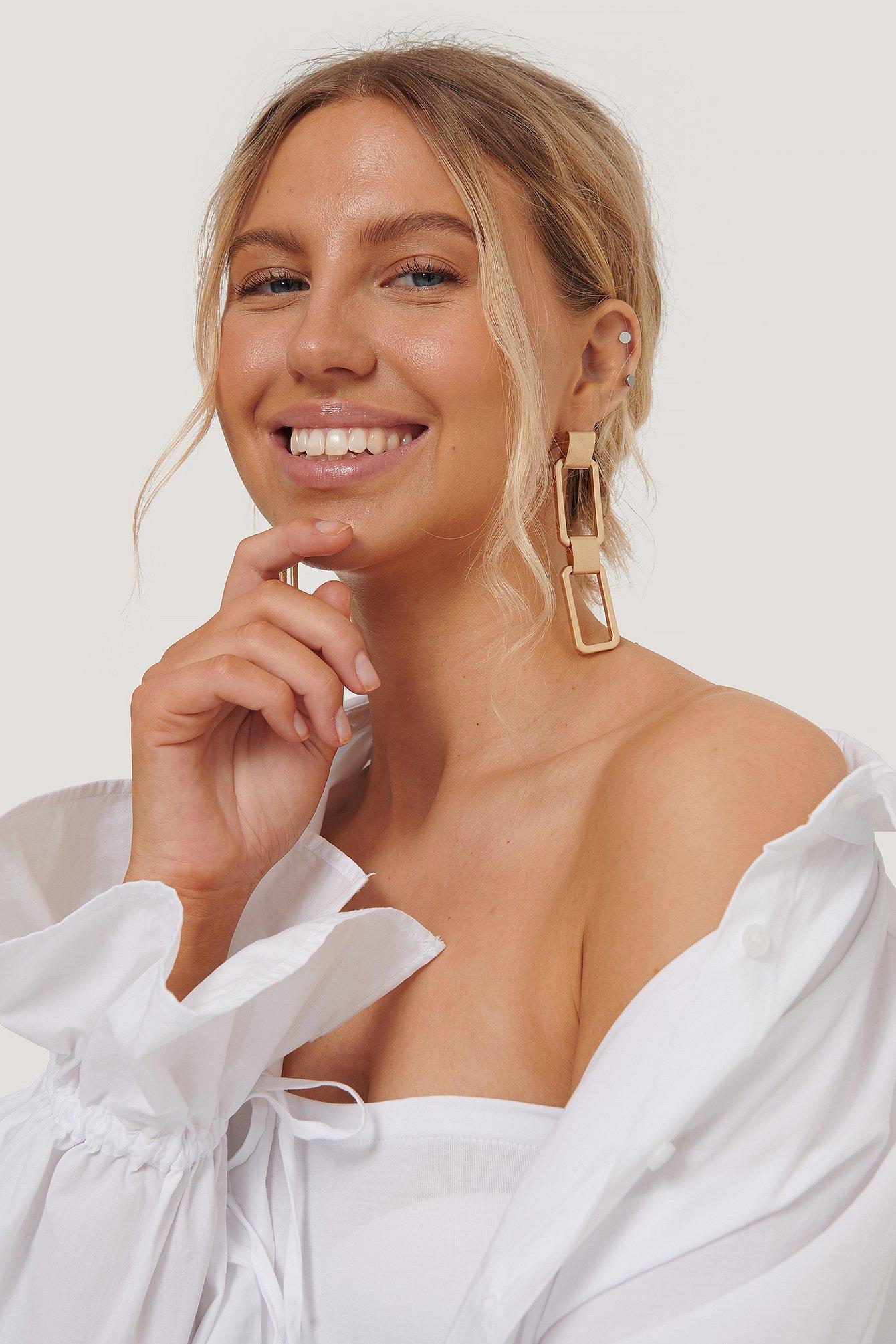 na-kd accessories -  Große Mattierte Quadratische Ohrringe - Gold