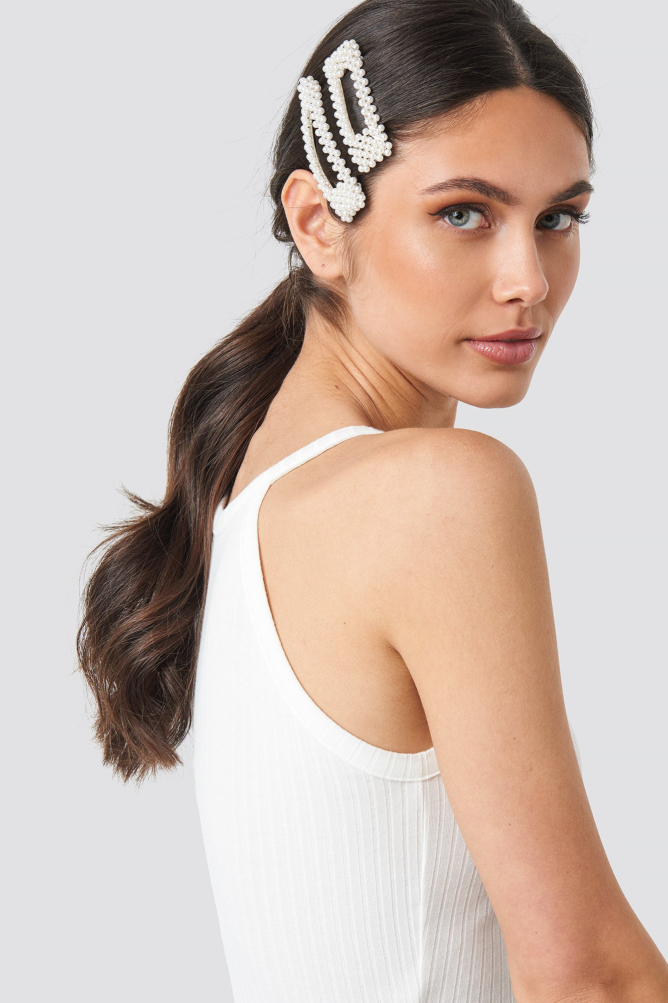 na-kd accessories -  Big Pearl Hairclips - White