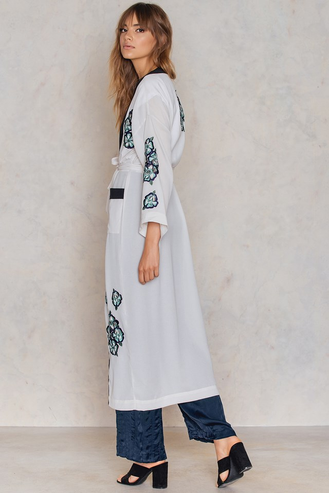 Big Pocket Embroidery Caftan Light Grey