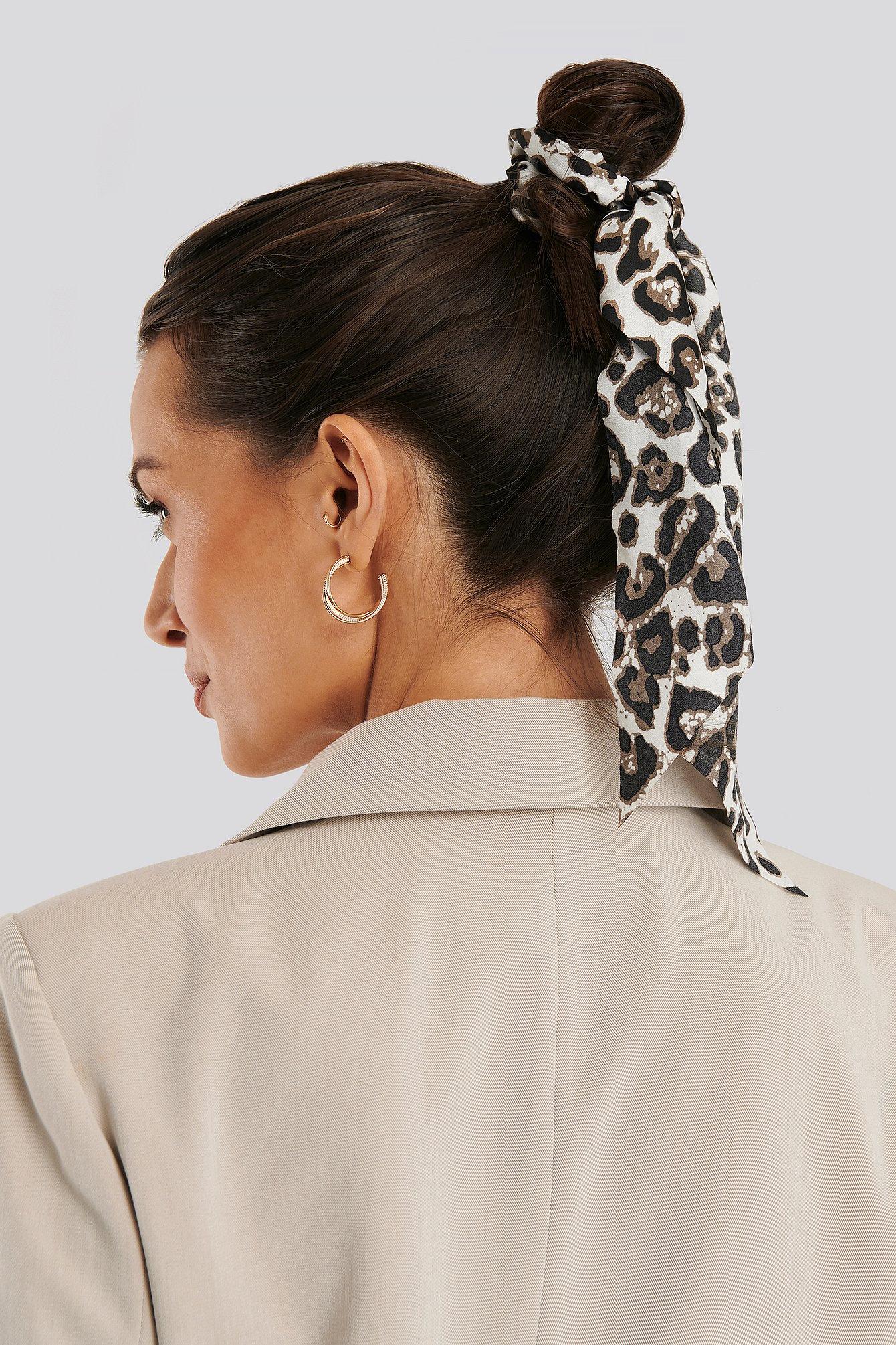 na-kd accessories -  Haargummi Mit Breitem Band Mit Leopardenmuster - Multicolor