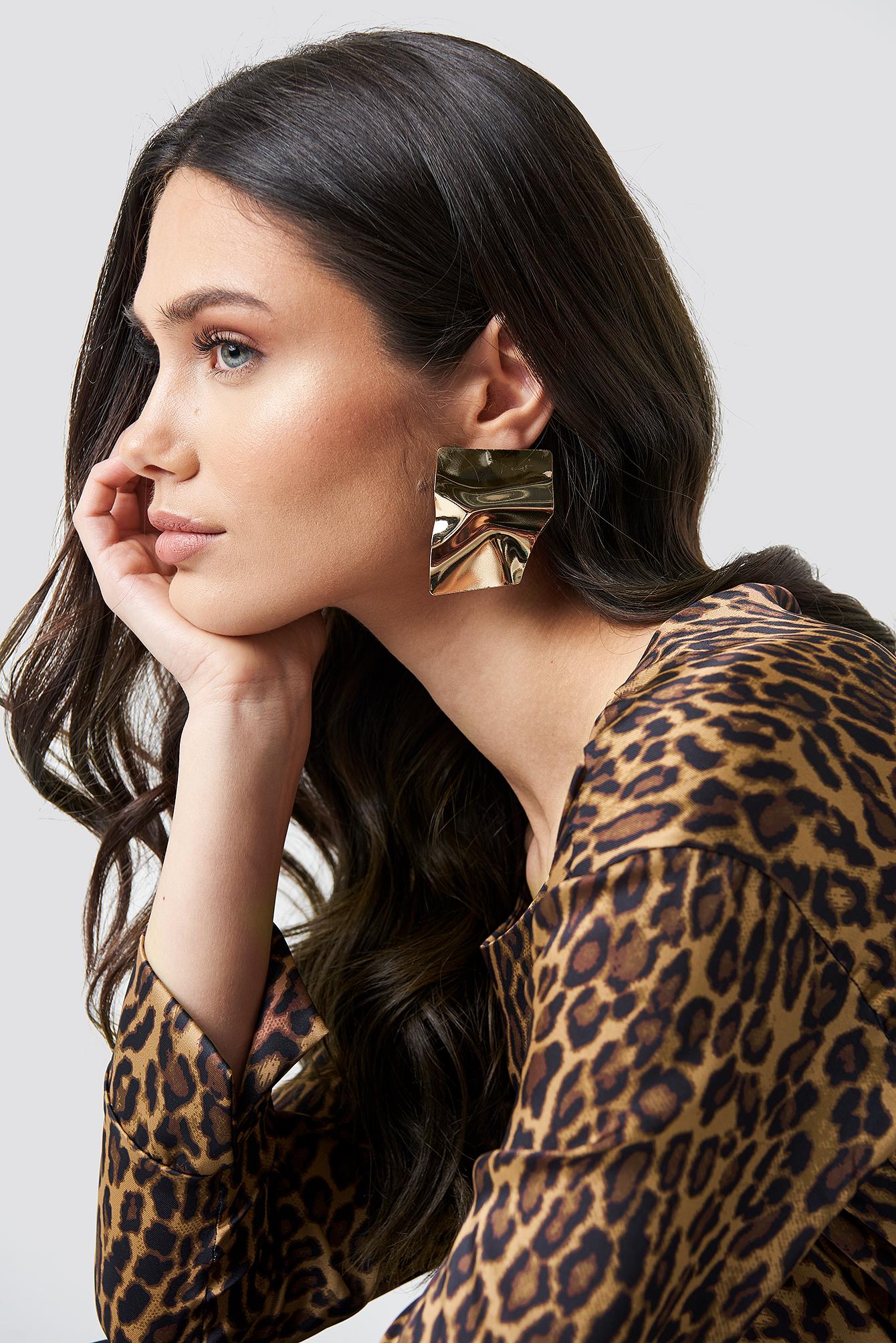 na-kd accessories -  Big Shield Earrings - Gold