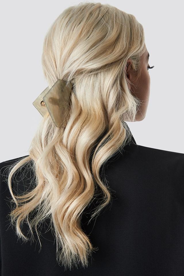 Big Shimmering Hair Clip Cream