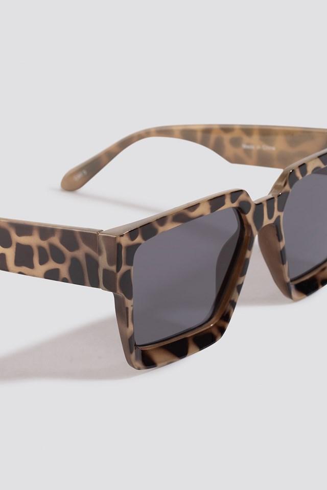 Big Squared Edge Sunglasses Nude Tortoise