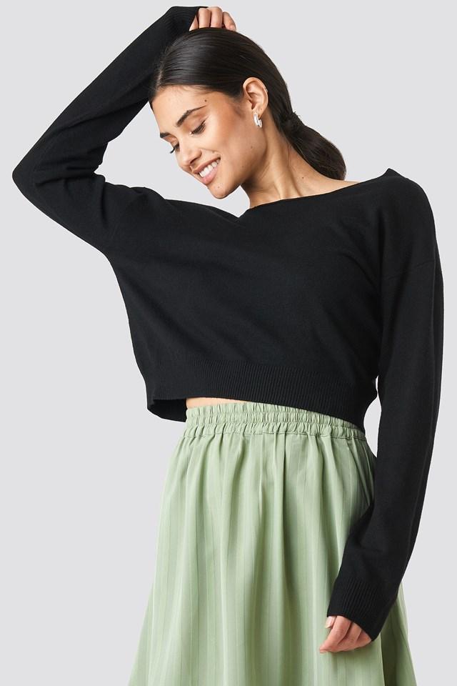 Back V-neck Cropped Sweater Black