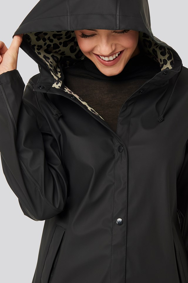 Bonded Leo Rain Coat Black