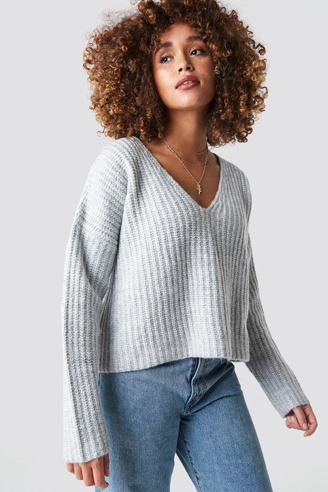 Boxy V Neck Knitted Sweater NA-KD.COM