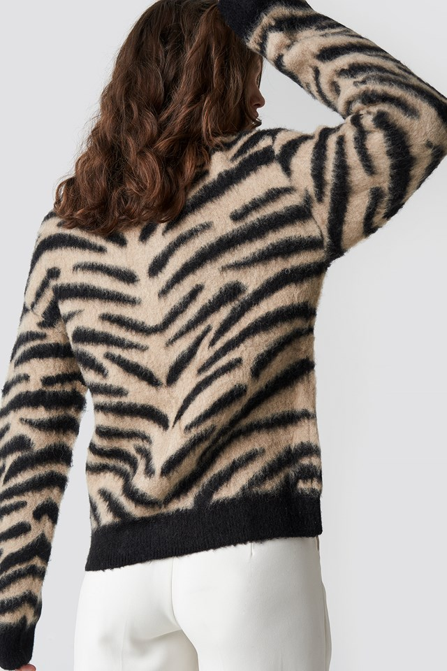 Brushed Zebra Knitted Sweater beige/Black