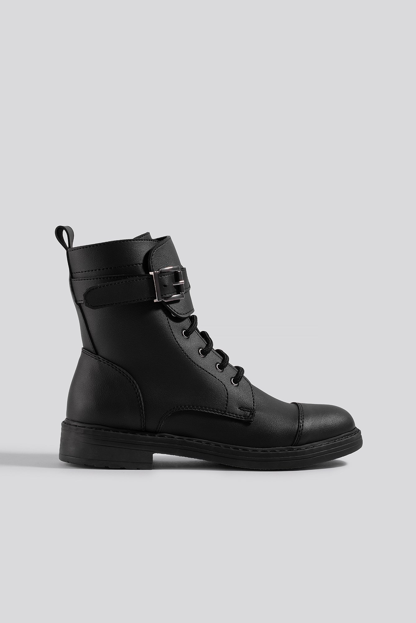 na-kd shoes -  Buckled Combat Boot - Black