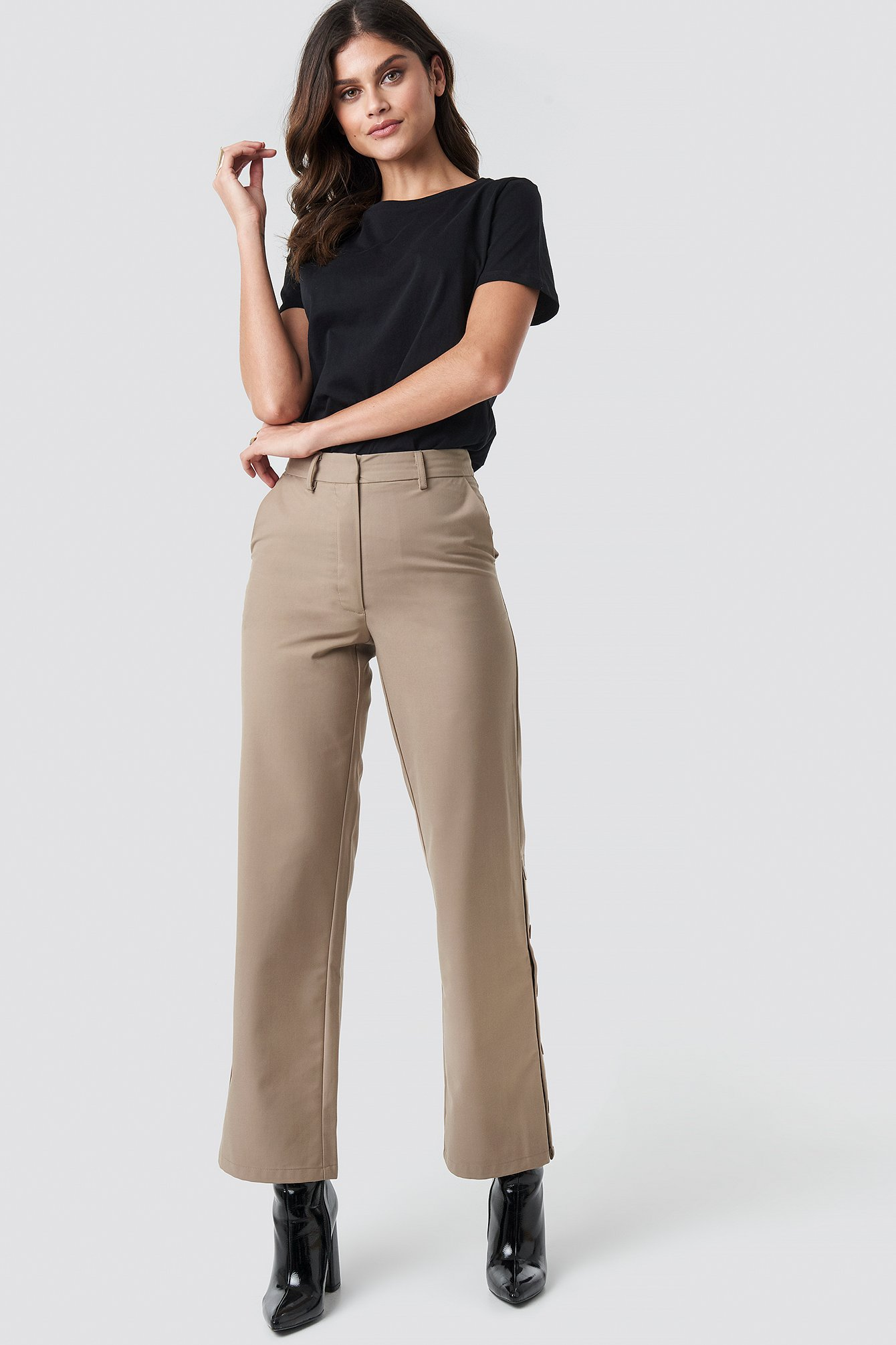 na-kd trend -  Button Detailed Trousers - Beige