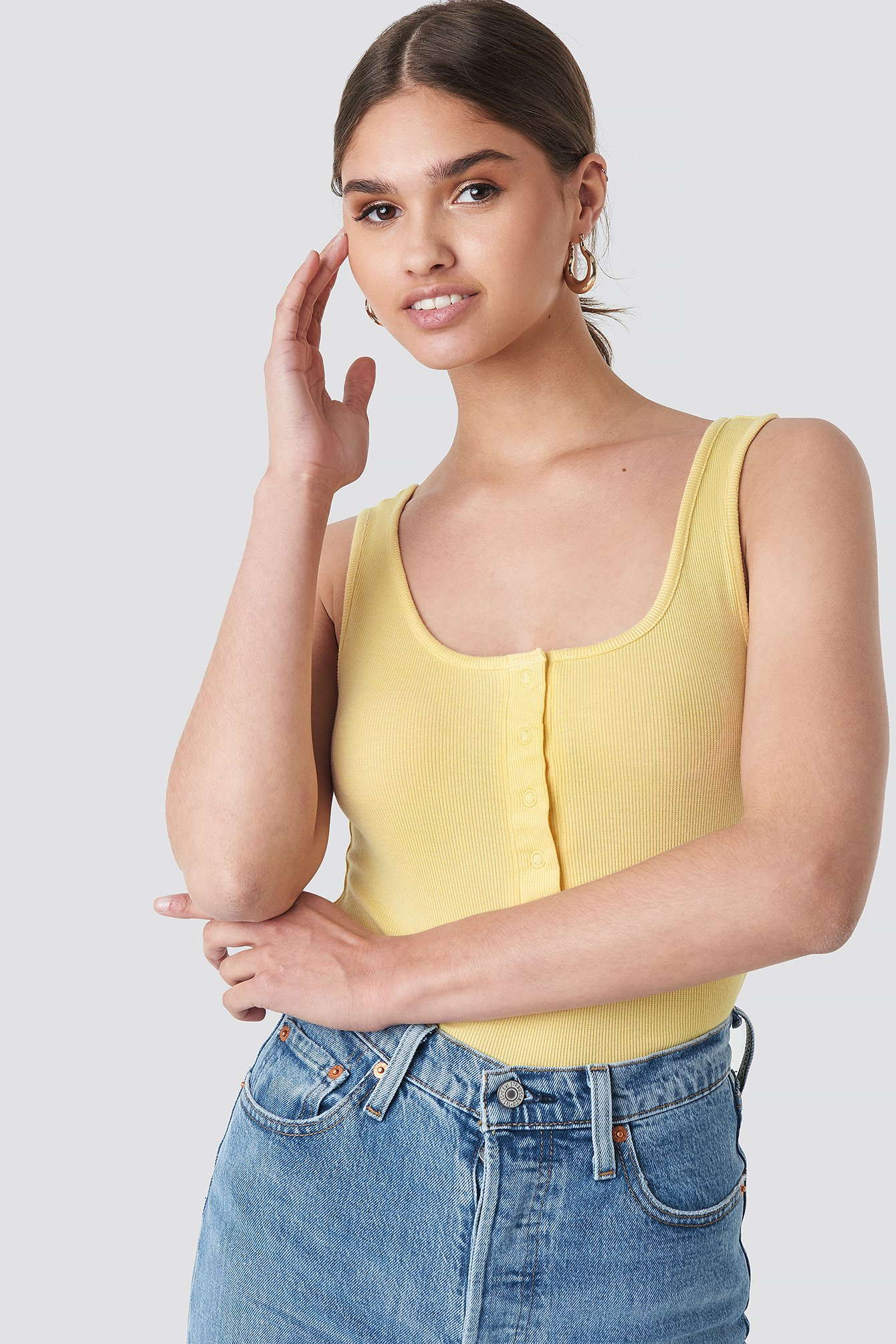 na-kd -  Button Front Tank Top - Yellow