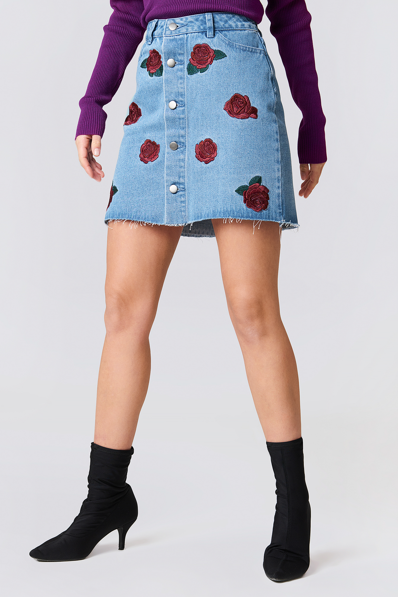 Button Up Rose Embroidery Skirt NA-KD.COM