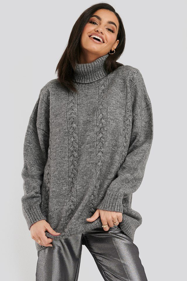 Cable Knitted Long Sweater Black