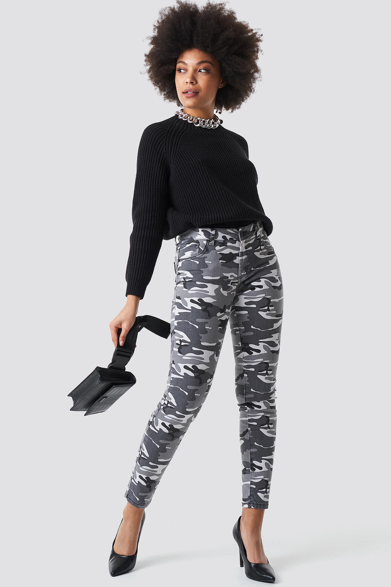 Camo Skinny Jeans NA-KD.COM