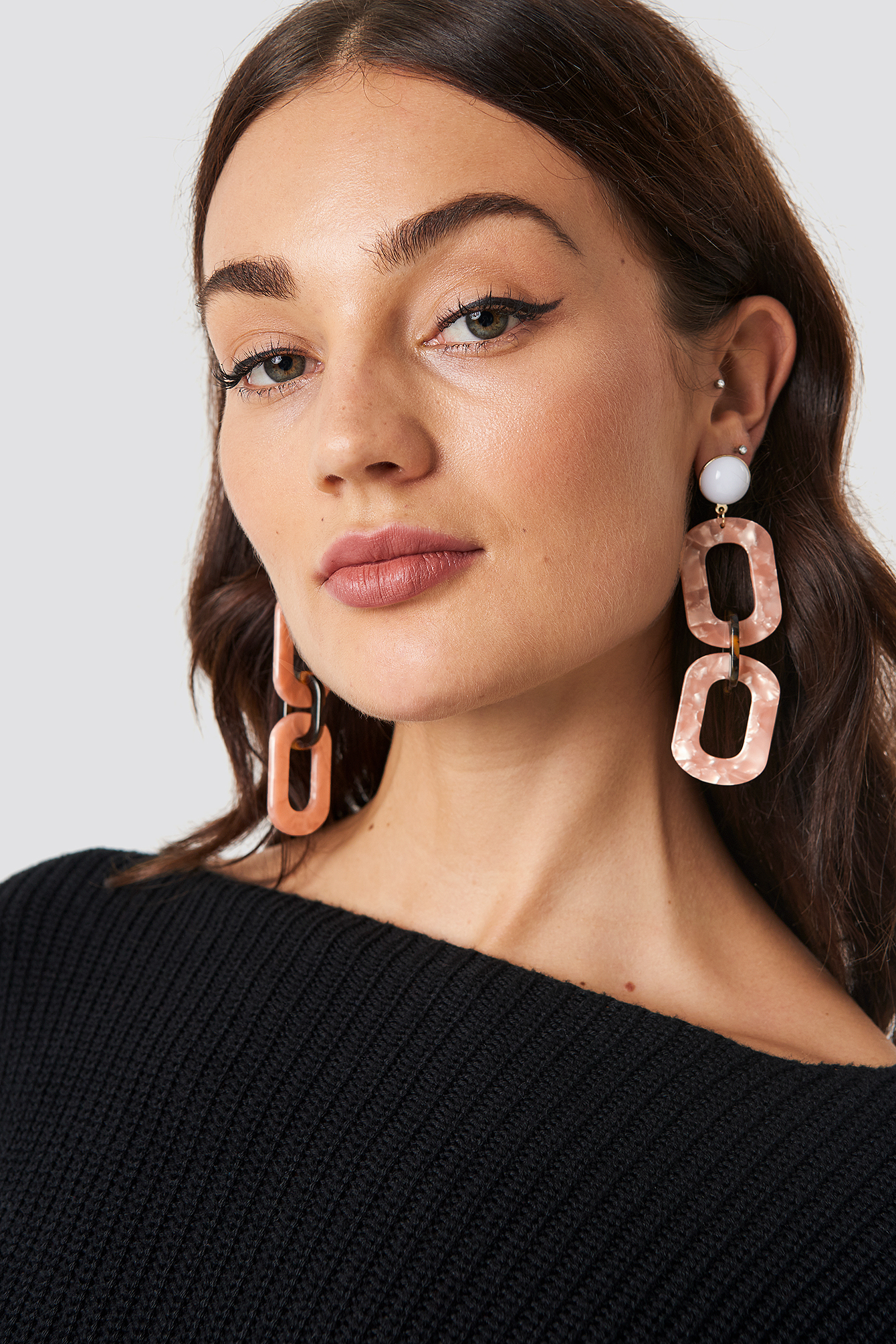 na-kd accessories -  Chained Resin Look Earrings - Pink