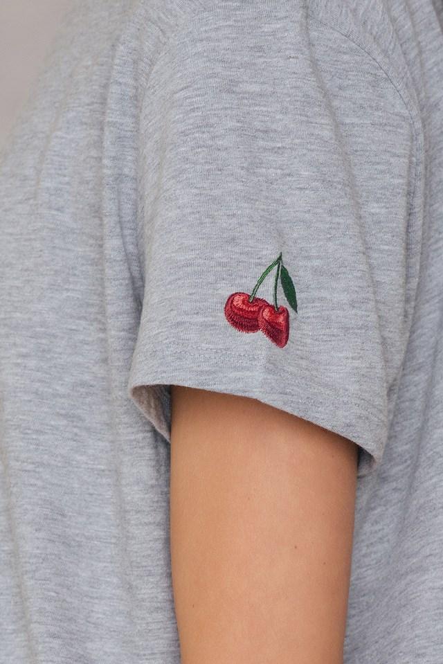 Cherry Sleeve Embroidery Tee NA-KD.COM
