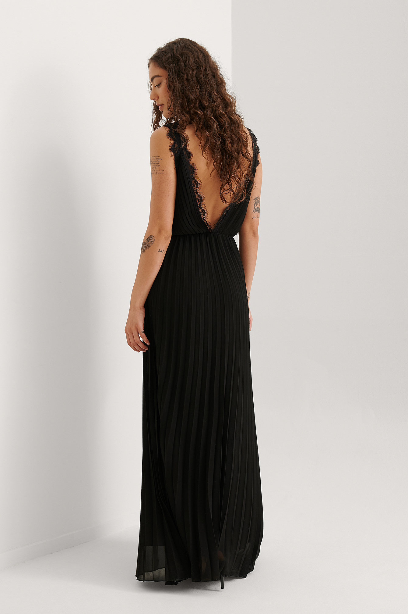 Black Chiffon Volume Maxi Dress