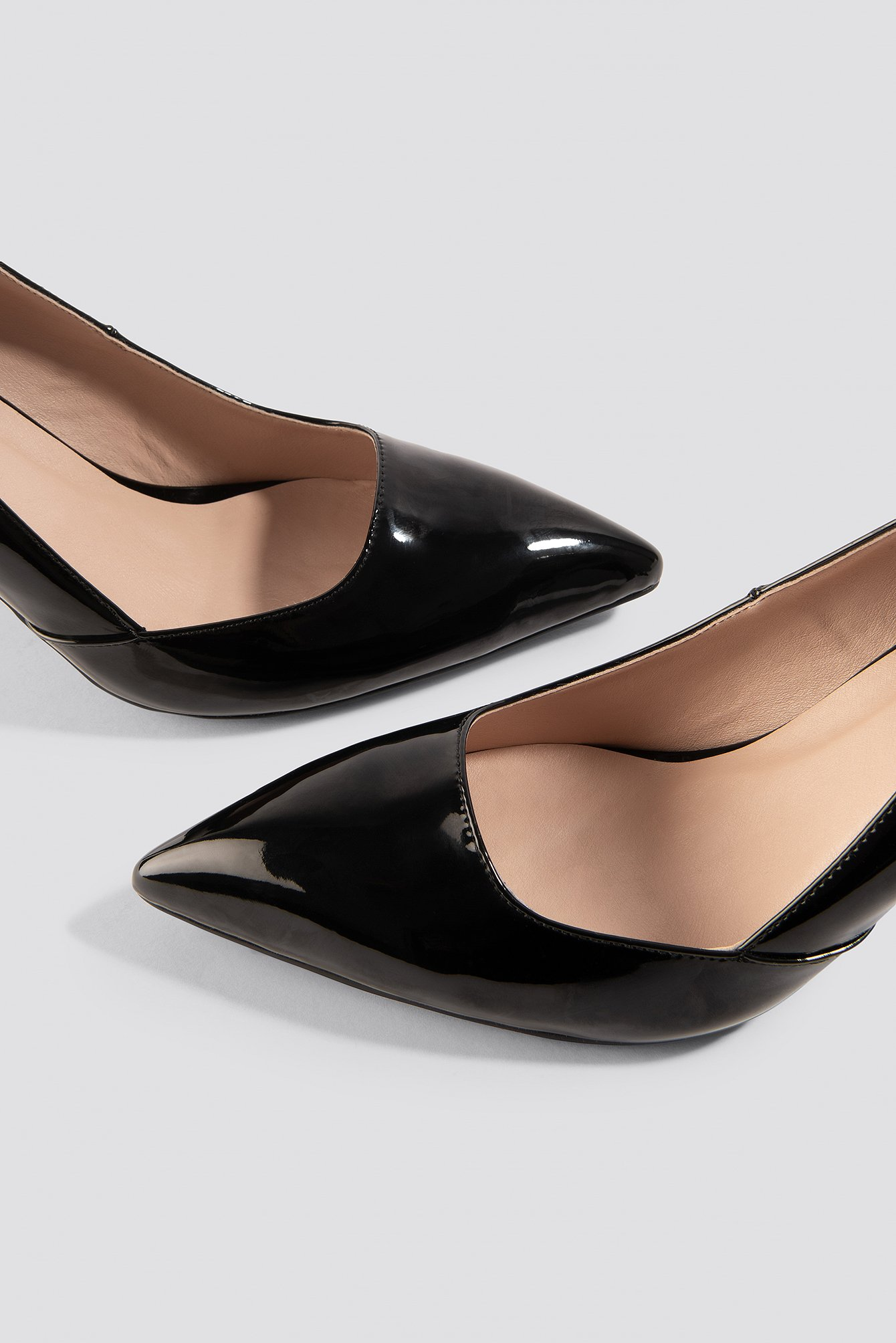 Black Classy Pointy Pumps