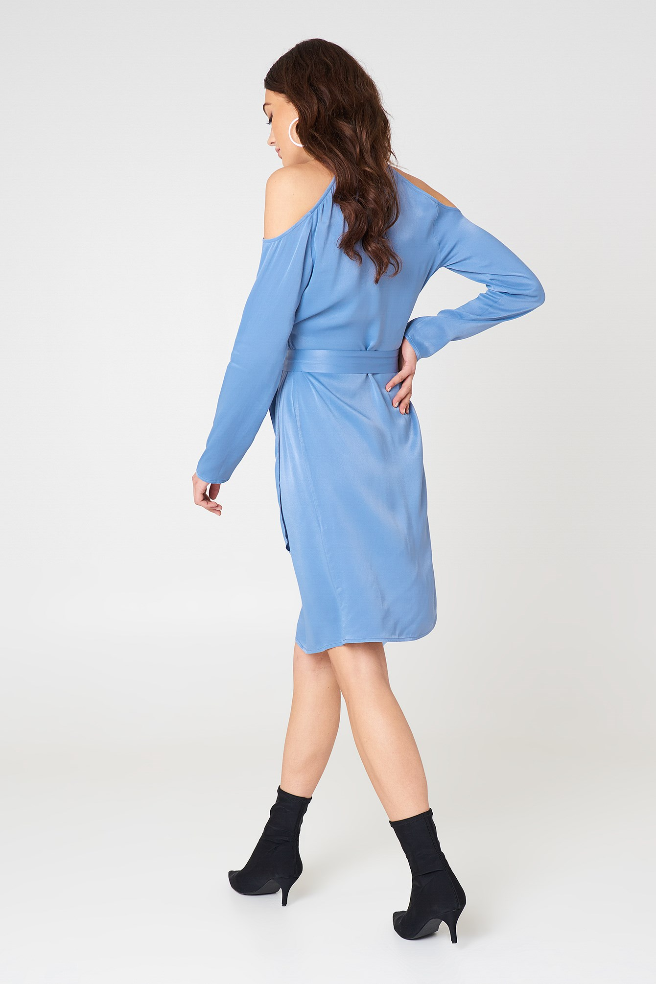 Cold Shoulder Asymmetric Dress NA-KD.COM