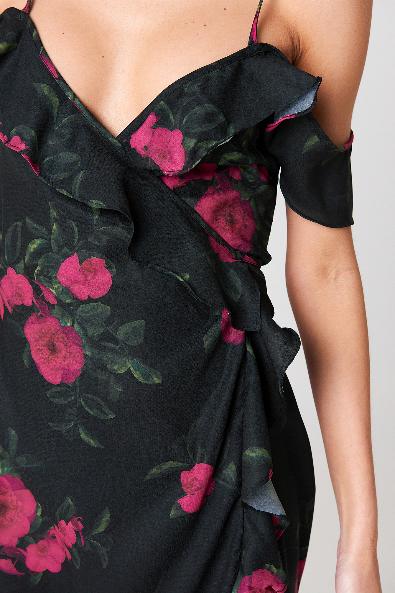 Cold Shoulder Flower Printed Overlap Dress NA-KD.COM
