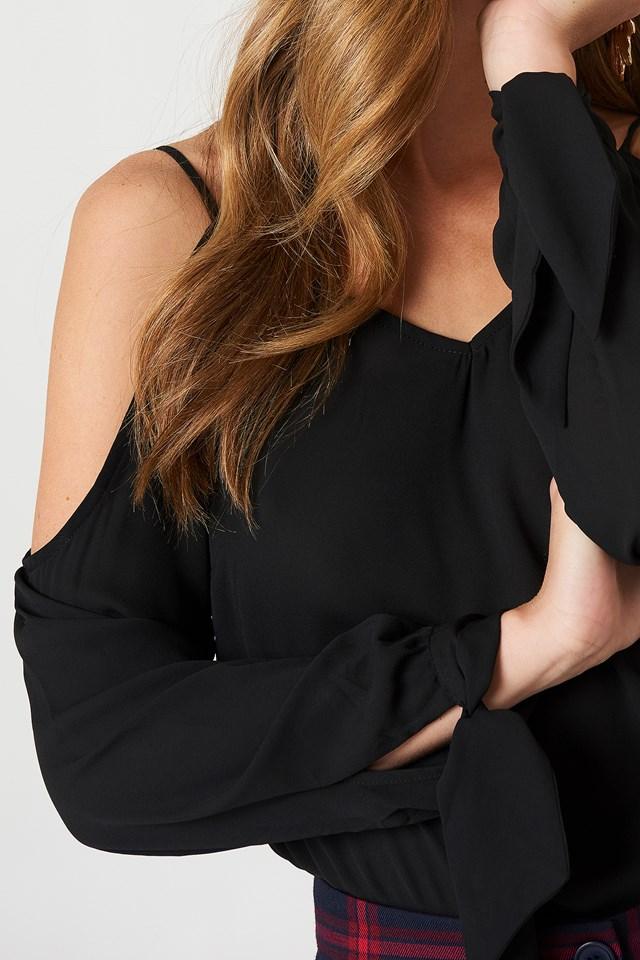 Cold Shoulder Knot Sleeve Top Black