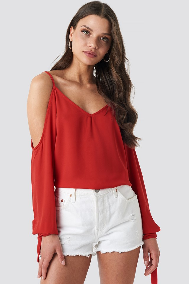 Cold Shoulder Knot Sleeve Top Red