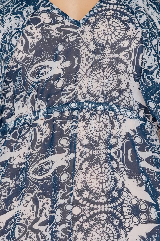 Sukienka szyfonowa we wzory z odkrytymi ramionami Print