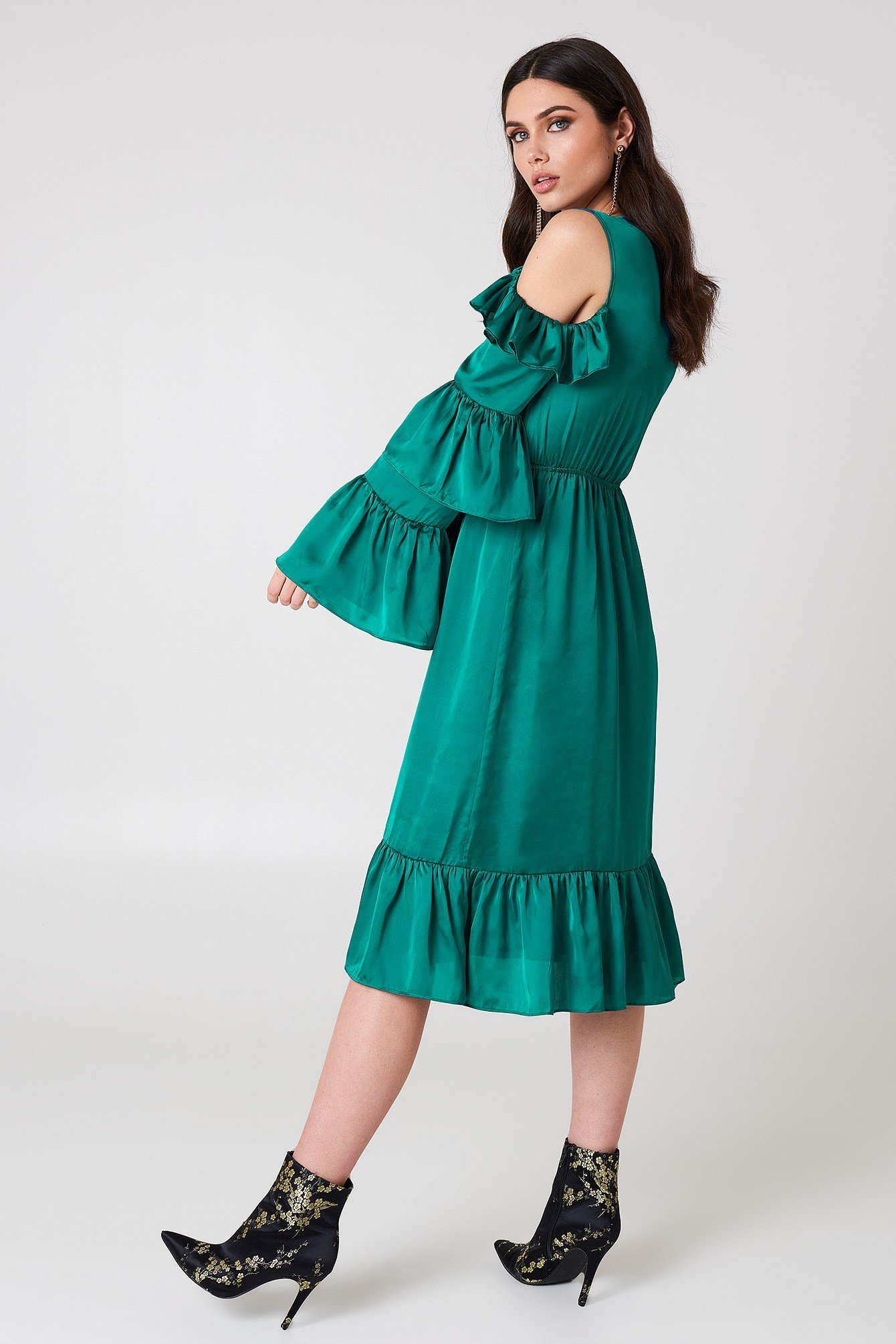 Cold Shoulder Ruffle Midi Dress NA-KD.COM